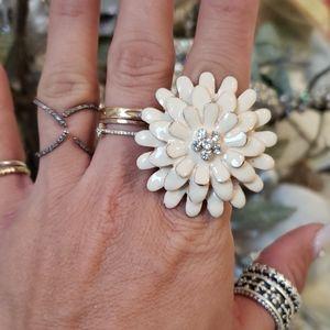 Enamel and rhinestone flower ring w/ stretchy band
